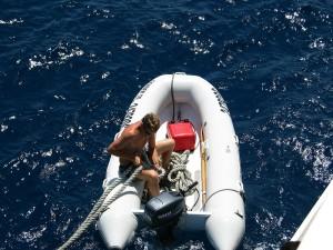 Schlauchboot mit Elektromotor im Test
